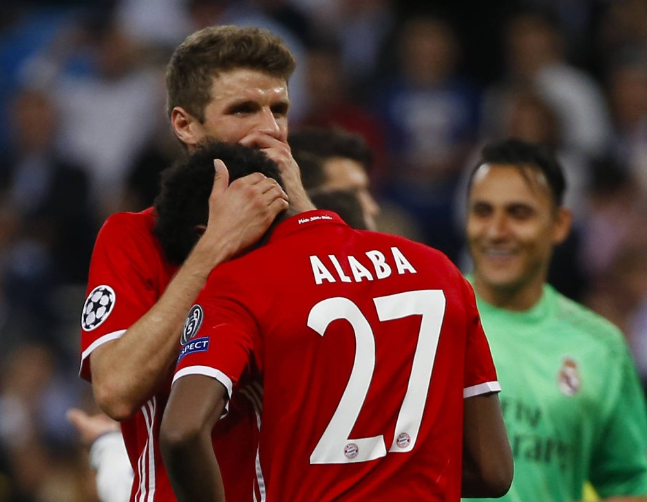 Münchner Trauer: Müller tröstet Alaba