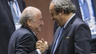 Platini soll Blatter mit Gefängnis gedroht haben