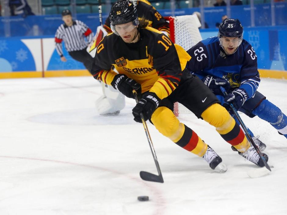 Christian Ehrhoff im Vorrunden-Spiel gegen Finnland.
