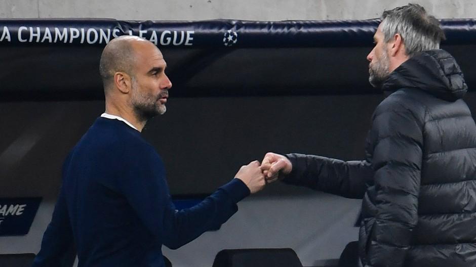 Anerkennung unter Taktik-Tüftlern: Pep Guardiola (links) und Marco Rose nach dem Champions-League-Duell