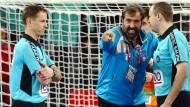 Sloweniens Trainer wollte die Entscheidung der Schiedsrichter nicht akzeptieren.