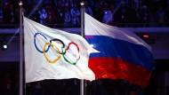 Die russische Fahne wird bei Olympia fehlen, die russischen Sportler wollen trotzdem starten
