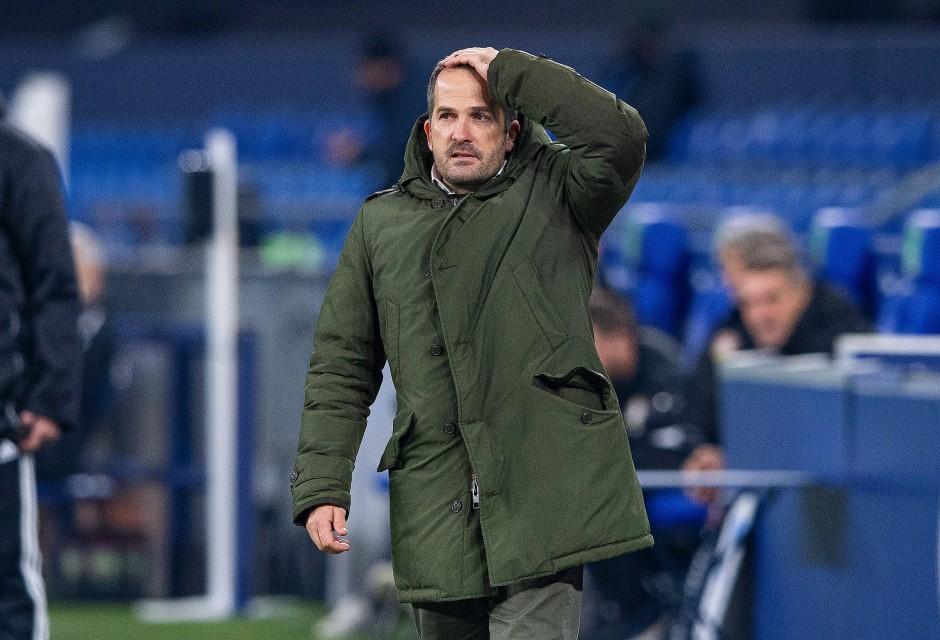 Konnte es kaum glauben: Schalke-Trainer Manuel Baum