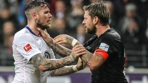 Wolfsburg holt die Eintracht auf den Boden zurück