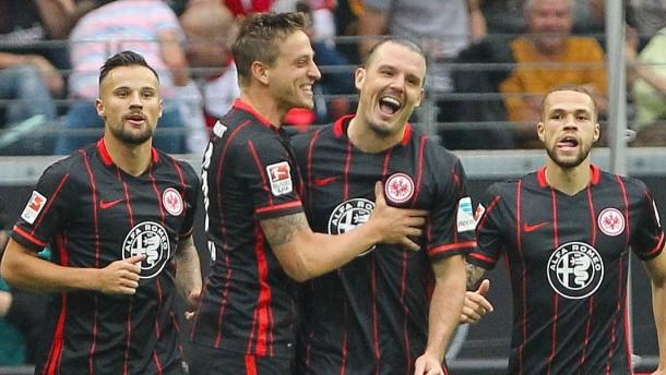 """Frankfurter """"Fußball-Gott"""" gibt überragendes Comeback"""