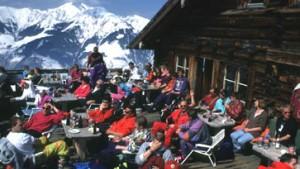 Von urig bis pikfein - die besten Skihütten der Alpen
