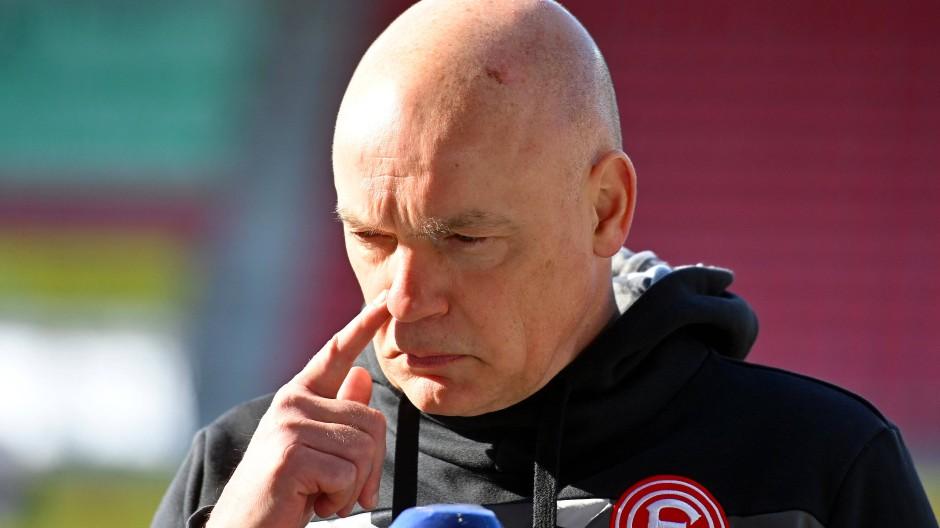 Trainer Uwe Rösler und Düsseldorf verlieren in Heidenheim.