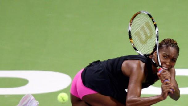 Venus Williams setzt sich die Tennis-Krone auf