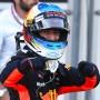 Ricciardo gewinnt überraschend in Baku.