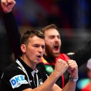 Die Mannschaft steht hinter ihm: Bundestrainer Prokop.