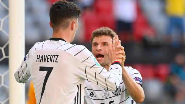 Müller nervt Portugal, Gosens ragt heraus
