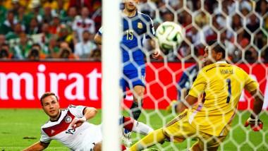 Ein Tor für die Ewigkeit: Mario Götze trifft zum 1:0 im WM-Finale gegen Argentinien
