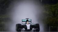 Überzeugend auch auf Regenreifen: Lewis Hamilton im Mercedes