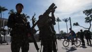 Die Sicherheitskräfte in Rio de Janeiro zeigen schon Präsenz.