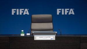Der Zerfall des Weltfußballs