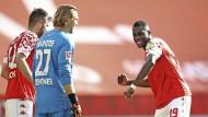 Da kommt Freude auf: Hack, Zentner und Niakhaté schlagen die Bayern.
