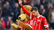 Traurige Bayern-Maskottchen: Berni und Thomas Müller