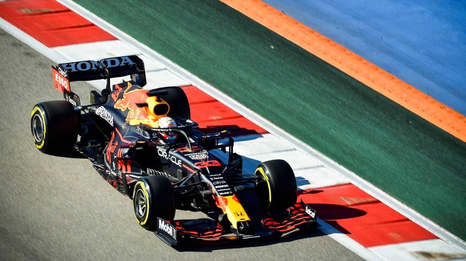 Nimmt seine Motoren-Strafe zum taktisch günstigen Zeitpunkt: Max Verstappen.