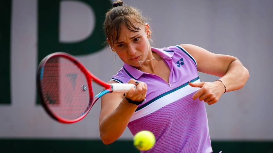 Voller Tatendrang: Mara Guth winkt ein Match gegen eine der vielen internationalen Topspielerinnen, die in Bad Homburg am Start sind.