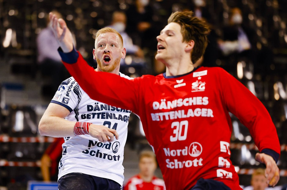 """""""Er lacht immer, das mag ich"""", sagt Stammtorwart Torbjörn Bergerud (rechts) über seinen Backup Fritz."""