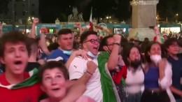 Italien als erstes Team im Achtelfinale