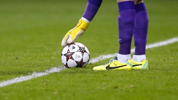Neuer Abstoßtrick im Fußball sorgt für Wirbel