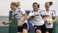Die deutschen Fußball-Nationalspielerinnen verdienen nicht so gut wie andere Sportlerinnen.