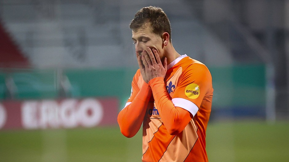 Die Enttäuschung sitzt tief: nicht die besten Aussichten für Darmstadt nach dem Pokal-Aus.