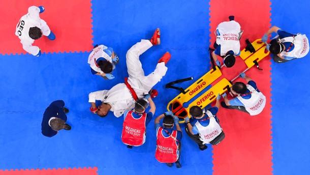Schmerzensschreie bei deutscher Karate-Hoffnung