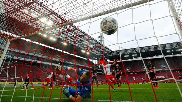 Fortuna Düsseldorf vergibt Derby-Sieg
