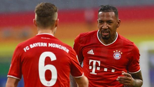 Boateng und Müller treffen vor Löws Augen