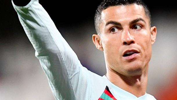 Ronaldo ist nach dem Torklau wieder glücklich