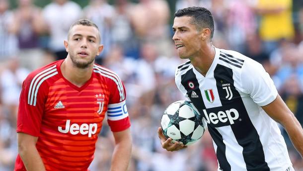 Ronaldo-Debüt mit Trauerflor