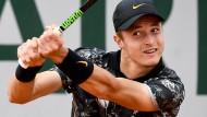 Auf seinen Einstand in Wimbledon muss Rudolf Molleker noch warten.
