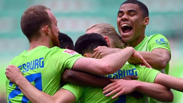 Brekalo macht Wolfsburg mit drei Toren froh