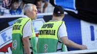 Allein auf weiter Flur: Die Diskussion um die Rolle der Doping-Kontrolleure geht weiter.