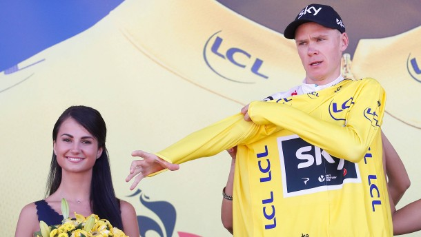 Froome fährt ins Gelbe Trikot
