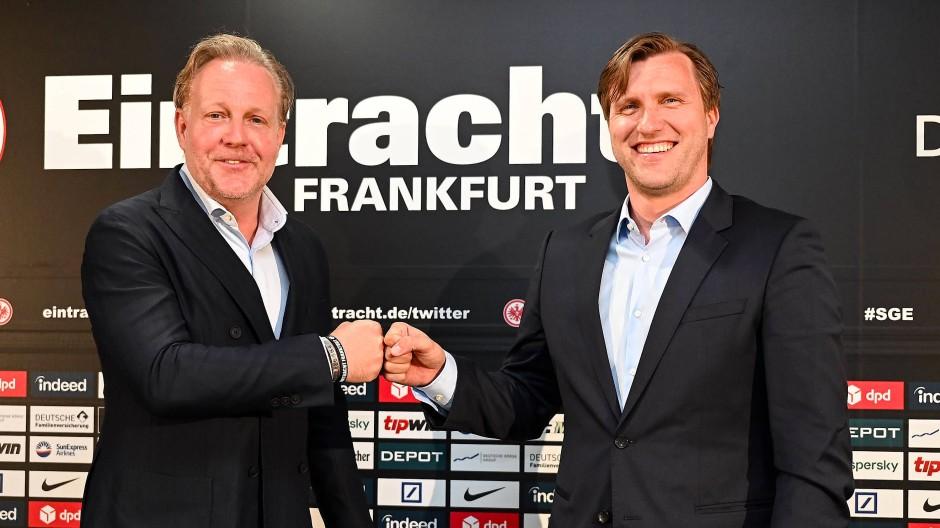 Endlich Eintracht: Markus Krösche (rechts, mit Philip Holzer) wäre schon als Spieler fast in Frankfurt gelandet.