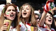 Bei der Fußball-WM in Brasilien durften auch Frauen die Spiele Irans im Stadion sehen