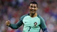 Ronaldo besiegt Lewandowski