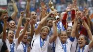 Weltmeisterinnen wollen mehr Geld