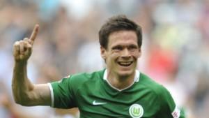 Riether stochert Wolfsburg spät zum Sieg