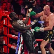 Das staunt das Publikum in Las Vegas: Tyson Fury (rechts) besiegt Deontay Wilder.