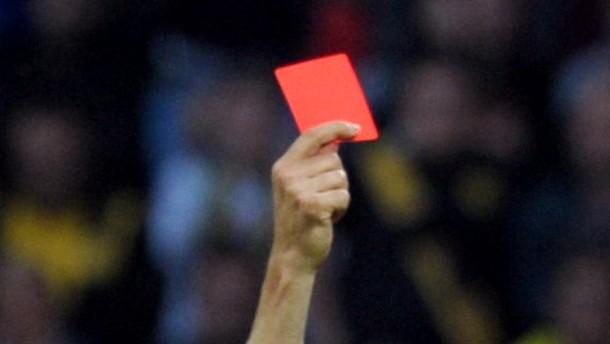 Zwei Rote Karten in Leverkusen