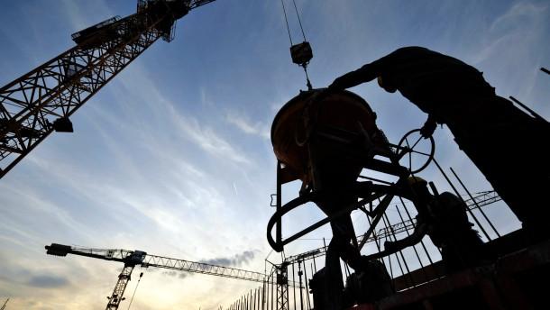 RWI erhoeht Konjunkturprognose