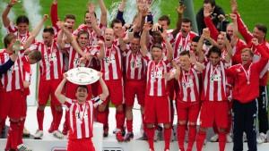 Meister Bayern - 96 gerettet - Bochum steigt ab