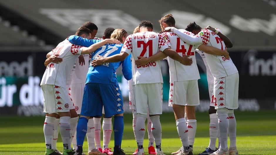 Einschwörung auf das Derby: Spieler von Mainz 05