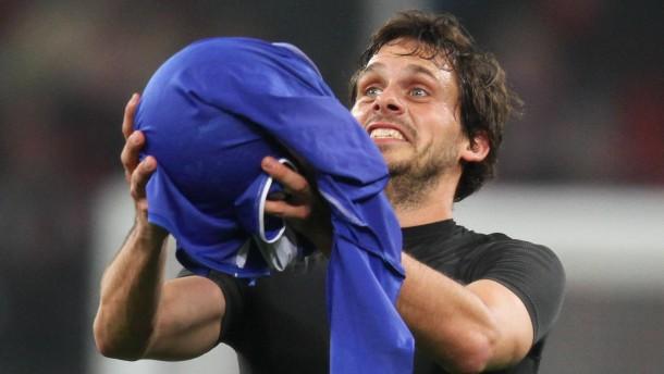 Friedrich köpft Leverkusen ins Achtelfinale