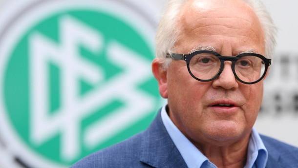 DFB-Präsident Keller sorgt für Nazi-Eklat