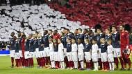 Engländer singen die Marseillaise
